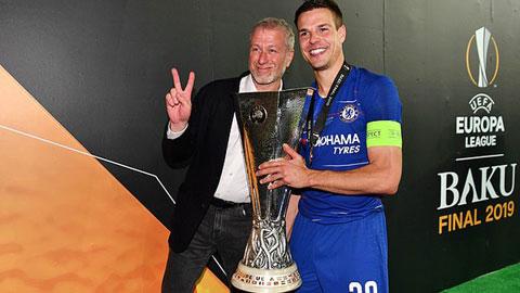 Ông chủ Abramovich chia vui với Chelsea sau chức vô địch Europa League 2018/19