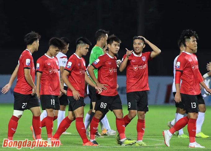 Với Phố Hiến, trận hoà 1-1 trước Long An trên sân nhà là một nỗi thất vọng. Họ đã đặt mục tiêu giành 3 điểm ở ngày ra quân của giải hạng Nhất năm nay.