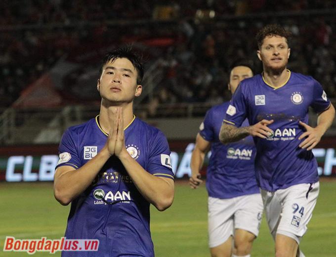 """Duy Mạnh mở đầu cho chiến thắng """"trút giận"""" của Hà Nội FC trước TP.HCM - Ảnh: Hữu Thành"""