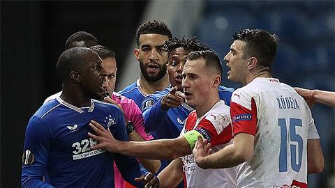 Đối thủ của Arsenal ở Europa League bị điều tra phân biệt chủng tộc