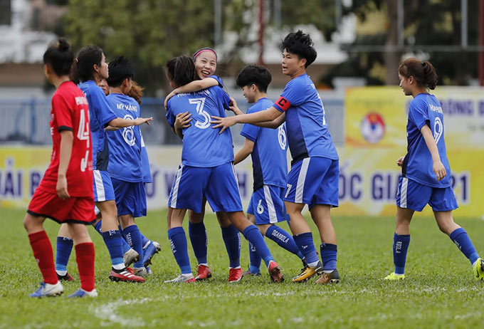 U19 Than KSVN bay cao với Nhật Lan