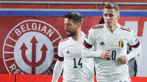 Thorgan Hazard (phải) đang dần trở thành trụ cột ở ĐT Bỉ
