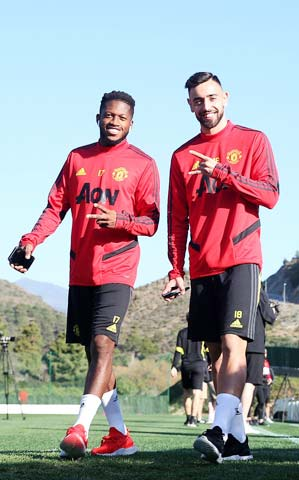 Thời kỳ khó khăn của Fred (trái) ở Man United qua đi nhờ nỗ lực của bản thân cộng với sự xuất hiện của người đá cặp rất ăn ý Bruno Fernandes