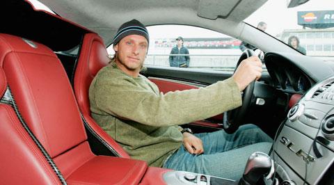 Sau khi gác vợt, Nalbandian chuyển sang đua ô tô