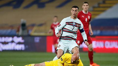 Ronaldo bị từ chối bàn thắng, UEFA đổ lỗi cho... Covid-19