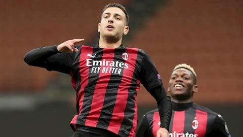 Milan muốn mua hẳn Dalot