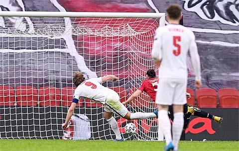 Kane chấm dứt 500 ngày tịt ngòi trong màu áo ĐT Anh bằng bàn thắng vào lưới Albania