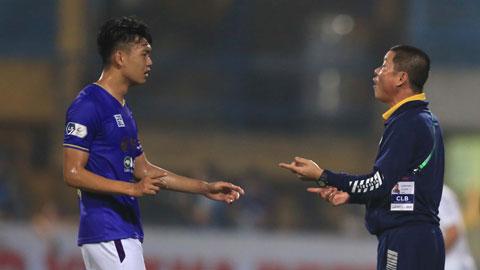 Sài Gòn FC (ảnh nhỏ, trái) của HLV Phùng Thanh Phương sẽ có trận đấu vô cùng khó khăn trước Viettel  Ảnh: ĐỨC CƯỜNG