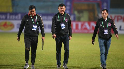 HLV Phan Thanh Hùng (giữa) từng có 5 năm gắn bó với Than.QN Ảnh: PHAN TÙNG