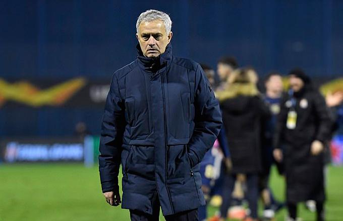 Mourinho vẫn đối diện nhiều áp lực
