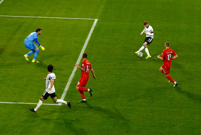 Werner bỏ lỡ cơ hội khó tin ở phút 80