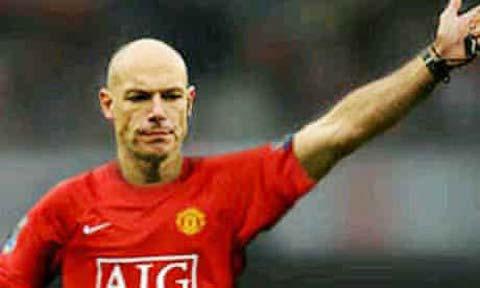 Hình ảnh chế này khiến Babel bị FA phạt