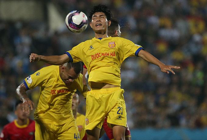 Nam Định vươn lên thứ 5 V.League - Ảnh: Đức Cường