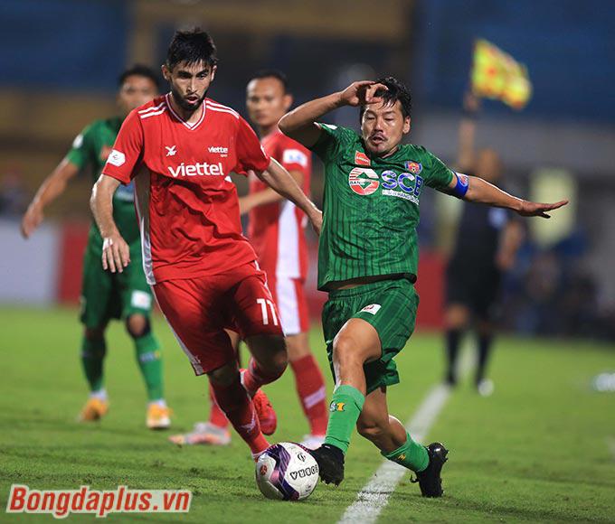 Đội trưởng Daisuke Matsui của Sài Gòn FC cho thấy rõ gánh nặng tuổi tác. Anh không có một pha bóng nào đáng kể bên hành lang trái của Sài Gòn FC