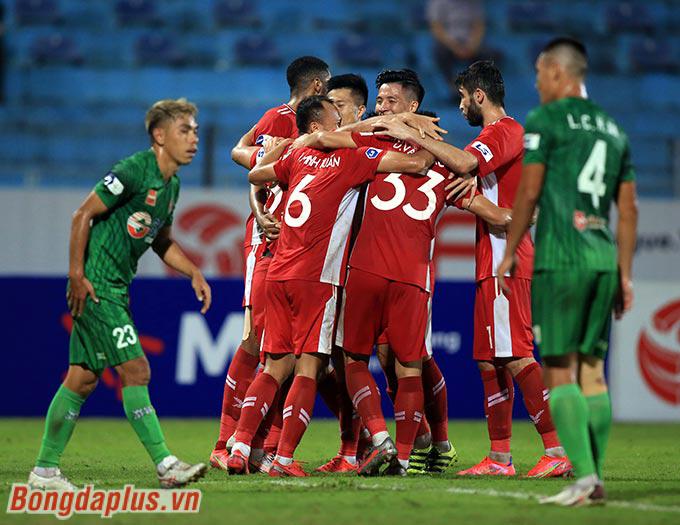 Thắng chung cuộc 3-0 trước Sài Gòn, Viettel vươn lên thứ 4 V.League