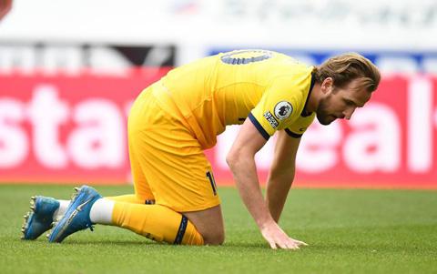 Kane tỏ ra đầy thấy vọng sau trận đấu Newcastle vs Tottenham