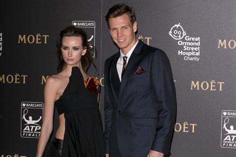 Berdych luôn xuất hiện một cách chỉn chu để làm  vừa lòng cô vợ Satorova