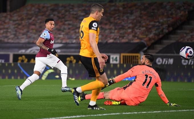 Lingard có pha solo từ khoảng cách 50m để mở tỷ số trận Wolves vs West Ham