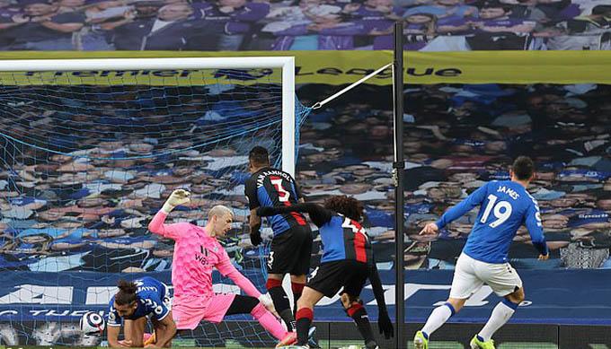 James Rodriguez ghi bàn nhưng Everton vẫn bị Palace cầm chân