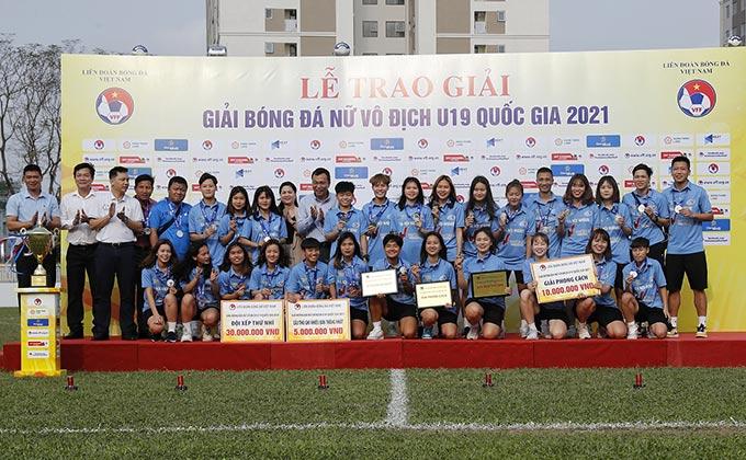 U19 nữ Hà Nội Watabe đạt giải phong cách và giải Nhì chung cuộc.