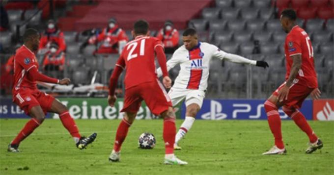 Một mình Mbappe cày nát hàng thủ Bayern