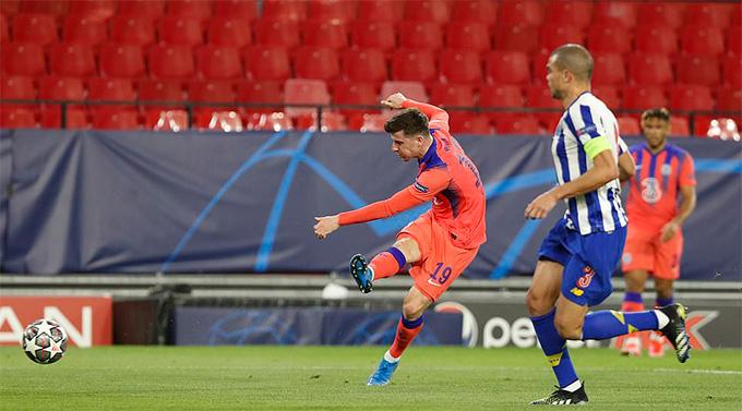 Mount mở tỷ số trận Porto vs Chelsea