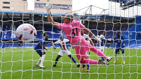 Chelsea (áo xanh) sẽ nối dài chuỗi toàn thắng trước đối thủ ưu thích Crystal Palace lên 7 trận đêm nay
