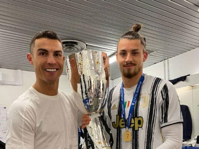 Cristiano Ronaldo và Dragusin