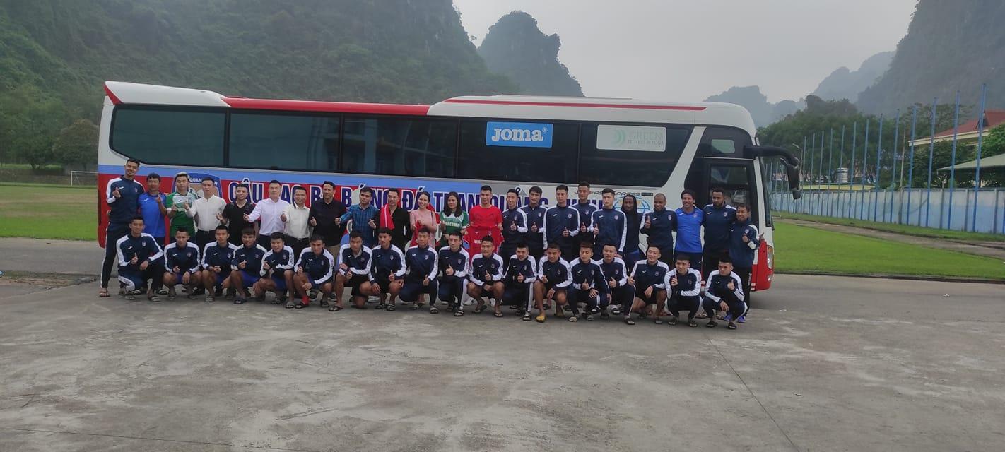 Các cầu thủ Than.QN được tiếp thêm sức mạnh trước chuyến làm khách gặp Hà Nội