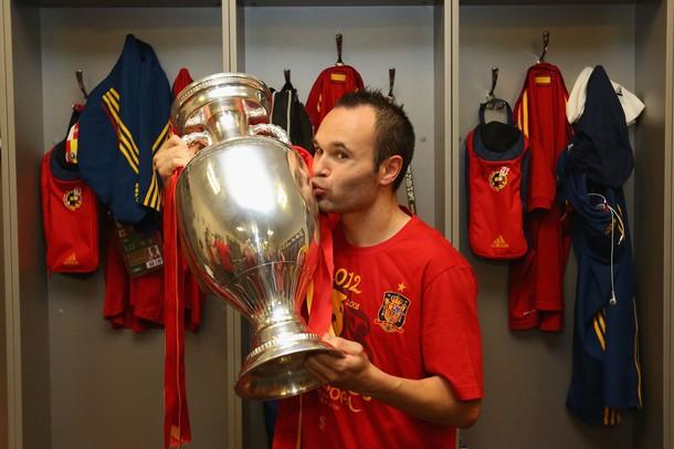Iniesta là người in dấu giày nhiều nhất trong các bàn thắng của ĐT Tây Ban Nha tại EURO 2012
