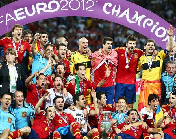 Khoảnh khắc thế giới chứng kiến ĐTQG vĩ đại nhất lịch sử bóng đá: ĐT Tây Ban Nha