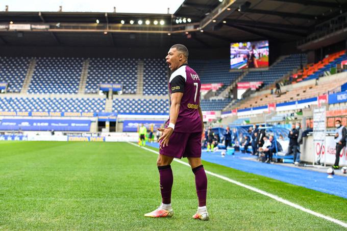 Mbappe tỏa sáng rực rỡ ở trận Strasbourg vs PSG với 1 bàn thắng cùng 1 kiến tạo
