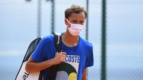 Daniil Medvedev mắc Covid-19 sau buổi tập với Nadal ở Monte Carlo Masters 2021