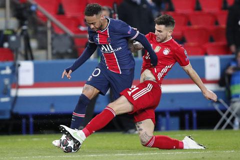 Lucas Hernandez (phải) đã làm nản lòng những nỗ lực của Neymar
