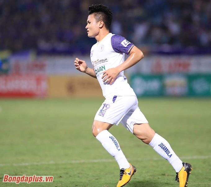 Hà Nội FC mới chỉ gượng dậy ở vòng đấu vừa qua khi thắng 4-0 Than Quảng Ninh - Ảnh: Đức Cường