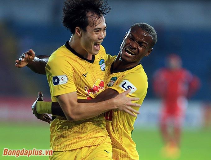 HAGL đang hướng tới nhiều kỷ lục ở V.League - Ảnh: Minh Tuấn
