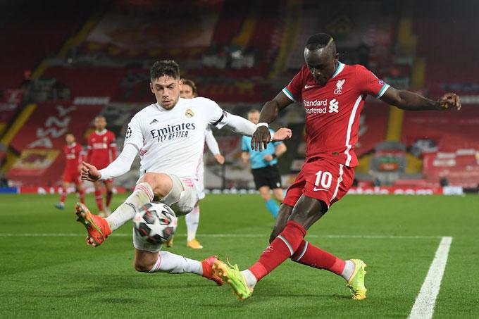 Valverde thi đấu ấn tượng khi được xếp đá hậu vệ phải