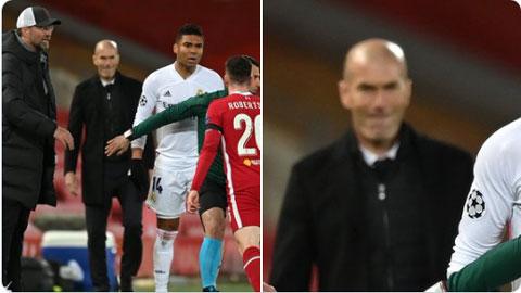 Zidane cười khoái trá trước hành vi thô bạo giữa Casemiro và Robertson
