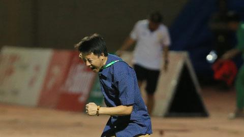HLV Thành Công sẽ có màn ra mắt khó khăn khi đối đầu SLNA Ảnh: Phan Tùng