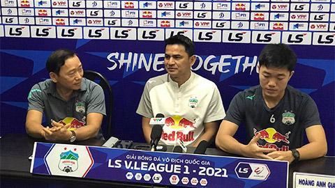 Kiatisak: 'Trận gặp Hà Nội FC, thắng thua gì, HAGLcũng giữ vị trí số 1'