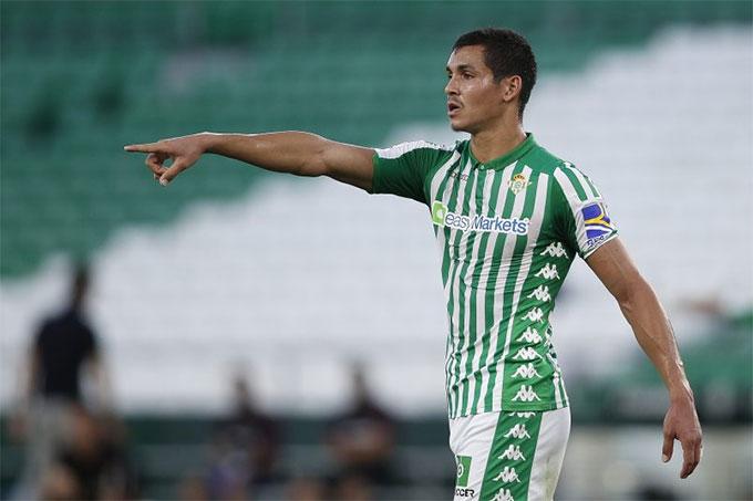 Aissa Mandi sắp hết hợp đồng với Betis