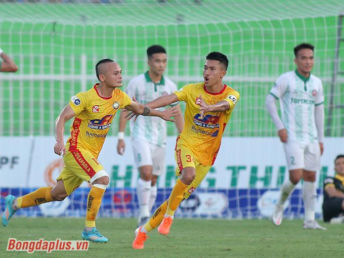 Quốc Phương ghi bàn thắng duy nhất giúp Thanh Hoá thắng Bình Định - Ảnh: Quốc An
