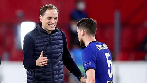 Tuchel: 'Tôi cho cầu thủ Chelsea uống bia trước trận gặp Man City'