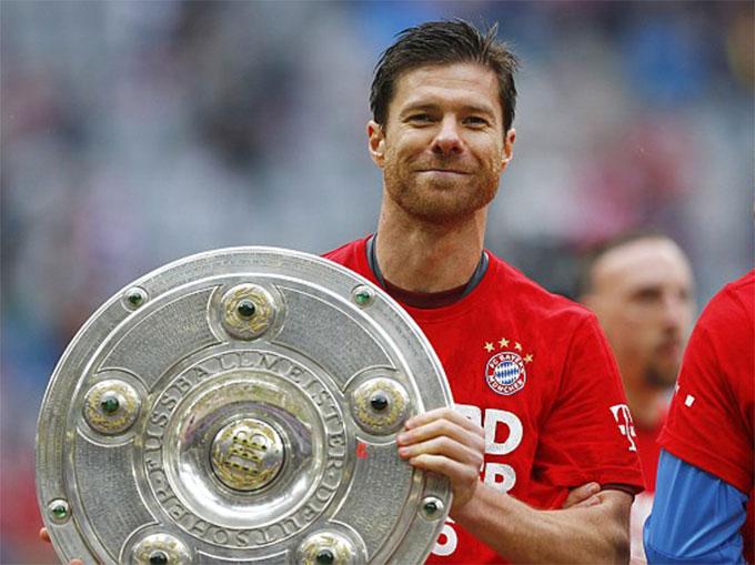 Alonso từng có thời gian thi đấu cho Bayern