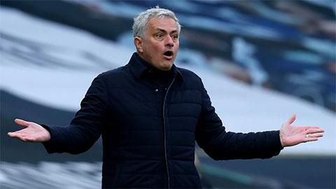 Những giờ cuối của Mourinho tại Tottenham diễn ra thế nào?