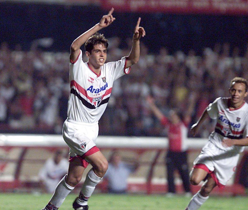 Kaka đã sớm gây được danh tiếng trong màu áo Sao Paolo trước khi sang châu Âu