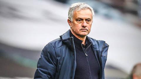 Valencia muốn mời Mourinho để tranh ngôi vô địch với Real, Atletico và Barca