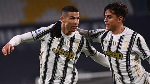 Ronaldo thách đấu Dybala đạt mốc 100 bàn cho Juventus