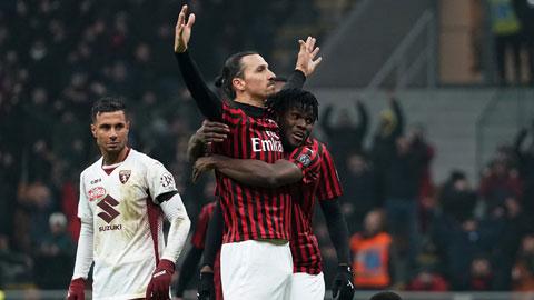 Ibrahimovic (giữa) hạnh phúc với cuộc sống ở Milan
