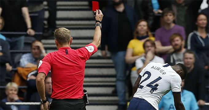 Aurier chơi tốt ở trận đấu mới nhất, nhưng không phải là sự lựa chọn an toàn của Tottenham